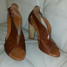 Latitude Femme Shoes Cognac Leather Slingback Latitude Femme,  wood style heels. Latitude Femme  Shoes Heels