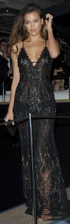 Irina Shayk na festa de Roberto Cavalli em Cannes 21/05 #fashion #black
