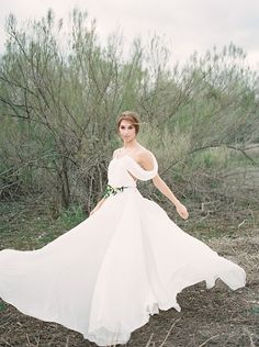 Grecian Style Bridal Session Ideas   Wedding Sparrow   Tracy Enoch Photography