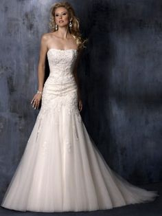 A-Line/Princess Strapless Neckline Court Train Taffeta Tulle Wedding Dress With Applique