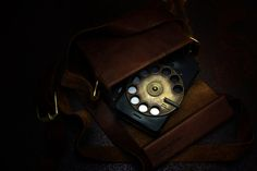 Rotary Smartphone Brings Feeling & Life to the Digital World (11 pictures)