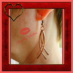 valentines day, copper dangle, curved wire earrings, hammered copper earrings, long dangle earrings, copper anniversary, 7th anniversary by ImagesbyKentOlinger on Etsy https://www.etsy.com/ca/listing/187120921/valentines-day-copper-dangle-curved-wire