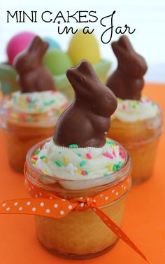 Easter Mini Cakes in a Jar