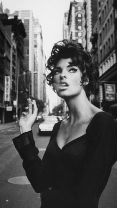 Top model Linda Evangelista NYC 1990, photographed by Steven Meisel.