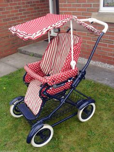 MAMAS & PAPAS RED STRIPED VINTAGE OLD-STYLE PRAM PUSHCHAIR BUGGY + CANOPE & MUFF | eBay Vintage Pram, Prams And Pushchairs, Photographs And Memories, Baby Prams, Baby Bassinet, Mamas And Papas, Baby Carriage, Red Stripes, Beautiful Babies