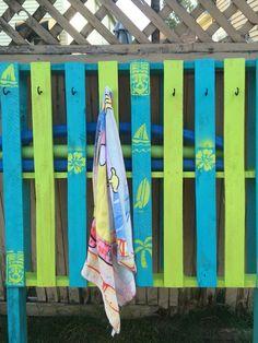 Pool noodle & towel holder pallet project.