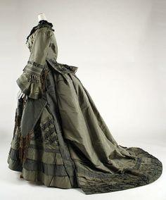 includes parasol pocket! 1870–73 American Silk