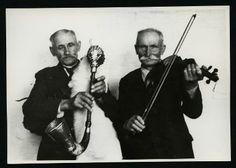 Tomasz Brudło (b. 1873 in Wąchabno) - bagpipe (kozioł), Walenty Brudło (b. 1869 in Wąchabno) - violin. Photo: M. Sobieski