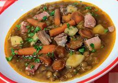 Lencse gulyás | Horváth Ferenc receptje - Cookpad receptek Pot Roast, Nom Nom, Food And Drink, Beef, Cooking, Ethnic Recipes, Soups, Carne Asada, Roast Beef