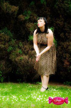 Jedwabna sukienka z rozcięciem na plecach Date night dress