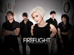 Fireflight – Wrapped In Yours Arms [Envuelta En Tus Brazos] Letra Traducida | Josafat