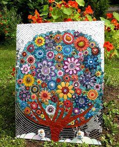 Paradise tree by Leena Nio Mosaic Wall, Mosaic Glass, Glass Art, Stained Glass, Mosaic Crafts, Mosaic Projects, Mosaic Ideas, Mosaic Designs, Mosaic Patterns