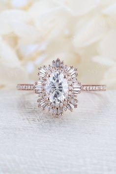 Cool Wedding Rings, Wedding Rings Rose Gold, Wedding Rings Vintage, Wedding Rings For Women, Vintage Engagement Rings, Vintage Rings, Diamond Engagement Rings, Wedding Unique, Trendy Wedding