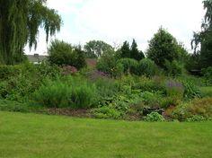 Zo zag de tuin van de Lijsterbes eruit voordat de vos hem toetakelde.