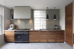 Dylan & Van Laatum | Interieurbouw Beautiful Kitchens, Cool Kitchens, Interior, American Walnut, Home, Vanity, Bathroom Vanity, Kitchen, Bathroom
