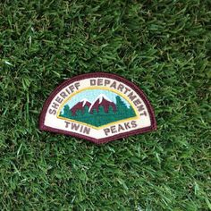 Twin Peaks inspired Sheriff Department iron-on replica fan patch David Lynch Cooper Audrey Laura Palmer Damn Fine Coffee Owl 90s tv-show