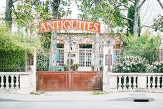 Nate Berkus and More Dish Their Favorite Vintage Stores Around the World | MyDomaine