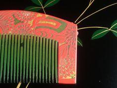 "Vintage Carving Hair comb ""Kushi"" /   Geisha hair combo  /Japanese vintage / Japonism  / Japón by JapaVintage on Etsy"