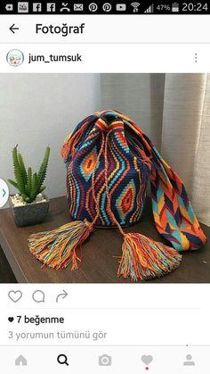 Wayuu Mochila bag Tapestry Bag, Tapestry Crochet, Poufs, Filet Crochet, Basket Weaving, Cross Stitch Embroidery, Crochet Projects, Needlework, Knitting