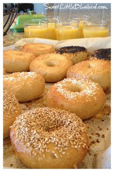 THE BEST BAGELS RECIPE! - This tried & true recipe makes the BEST bagels ever! If you've been searching for the perfect bagel. Crazy Cake Recipes, Sourdough Bagels, My Favorite Food, Favorite Recipes, Best Bagels, Homemade Bagels, Bread Bun, Artisan Bread, Bread Baking