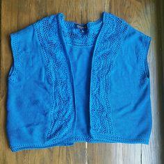 Jones New York sleeveless sweater vest Open sleeveless sweater. Beautiful detailing. Like new condition. Jones New York Sweaters