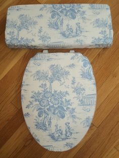 Shabby Victorian Blue Toile Toilet Seat Cover Set
