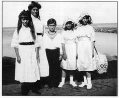 Anastasia, Maria and Alexei with Princesses Elizabeth and Olga of Greece, the two elder daughters of Prince Nicholas of Greece and Grand Duchess Elena Vladimirovna. The third and youngest daughter, Marina, would marry into the British Royal Family as the Duchess of Kent. From Tumblr romanovsonelastdance.