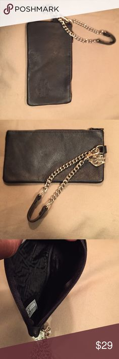 📣🤗LAST CALL SALE 📣🤗HD wristlet/wallet Authentic HD wristlet/wallet. NWOT...never used 7 inches long/4 inches in height.  The chain has a hook to make it easy to detach Harley-Davidson Bags Clutches & Wristlets