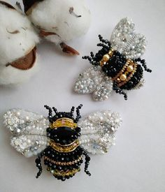 ₽Repost by Beverly Dietrich.repost: ❌ Reserve ❌ in . Bee Embroidery, Tambour Embroidery, Bead Embroidery Jewelry, Bead Jewellery, Jewelry Art, Beaded Jewelry, Jewelery, Beaded Spiders, Beaded Brooch