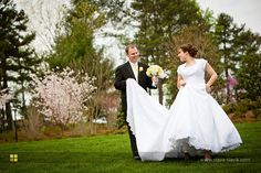 Mormon wedding (i love their pictures!) so cute ;)