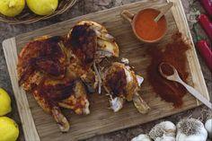 Il pollo piri piri è un piatto tipico portoghese dal sapore deciso. Il gusto molto piccante della salsa esalta il sapore delicato della carne!