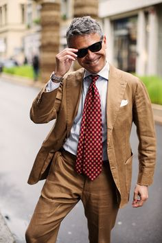 Menswear Musings — Amazing tobacco linen suit. Every time I see one...