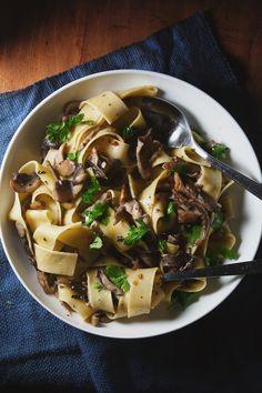 Pasta - Papardelle with Wild Mushrooms Jamie Oliver Pasta, Pasta Recipes, Cooking Recipes, Enjoy Your Meal, Wild Mushrooms, Stuffed Mushrooms, Vegetarian Recipes, Healthy Recipes, Tasty Dishes
