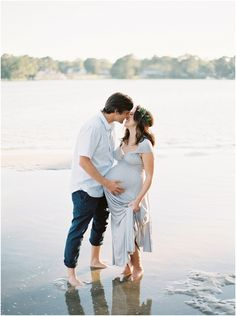 Maternity Photography by Shannon Moffit, featured on The Fount Collective, a…