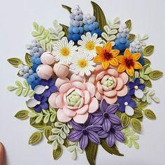 #종이 #종이감기 #종이감기공예 #종이감기꽃 #꽃 #작품 #완성 #70%따라하기 #ㅋㅋㅋ #취미 #paper #quilling #paperquilling #flower #flowers #paperflower #도전했다.... 70%따라하기 성공? ㅋㅋㅋㅋ  창작보다 따라하기가 더 어렵다.. 결국 내 스타일로?... ㅋㅋㅋ