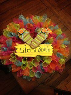 Deco mesh curly wreath