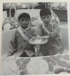 櫻井敦司さん(幼稚園児)とお友達 : 【BUCK-TICK】メンバー幼少期の写真。櫻井敦司、今井寿、星野英彦、樋口豊、ヤガミトール - NAVER まとめ