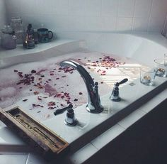 リラックスと美容の場所お風呂を快適にお気に入りのバスルームを作るアイテア集