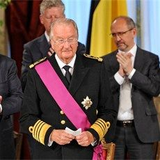 Troonswissel - koning Albert II doet troonsafstand