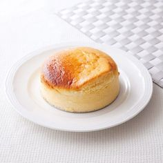 【噂の低カロリースイーツ】「豆腐」がふんわりスフレチーズケーキに変身!