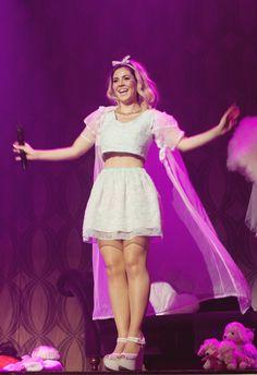 Marina and The Diamonds, she looks so happy, it makes me happy c: