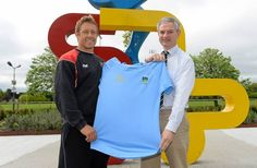UCD Director of Rugby, Bobby Byrne presents Toulons Jonny Wilkinson with a UCD jersey following their training sessions on campus.