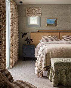 Bedding Master Bedroom, Cozy Bedroom, Bedroom Wall, Bedroom Furniture, Bedroom Decor, Beautiful Bedrooms, Beautiful Beds, Headboards For Beds, Mixing Patterns