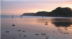 7 best beaches for autumn surfing in Britain via thegirloutdoors.co.uk  http://thegirloutdoors.co.uk/2014/10/09/7-great-british-surfing-beaches/