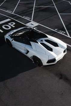 Lamborghini Aventador Keep The Glamour ♡ ✤ LadyLuxury ✤ Ferrari, Lamborghini Aventador Roadster, Porsche, Audi, Luxury Sports Cars, My Dream Car, Dream Cars, Aston Martin, Automobile
