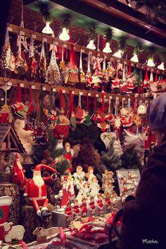 Comme je vous le disais la semaine dernière, j'ai été faire un petit saut dans la capitale alsacienne de Noël! Magique!! 300 petitsch...
