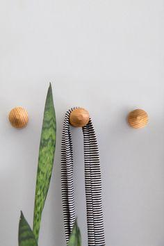 Etsy の Pleated Hook  American Oak by MarzDesignsShop