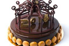 Entremets de la Saint-Sylvestre - Maison Pillon, Toulouse - Biscuit chocolat, crémeux chocolat, caramel mœlleux chocolat, crème légère chocolat, crème brûlée au poivre Tchuli.