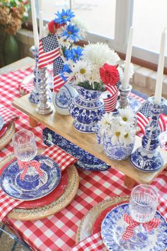 Whether you are hosting a barbecue or holiday event, here are some ideas for a red, white and blue tablescape by pattern mixing holiday prints and colors! Fourth Of July Decor, 4th Of July Celebration, 4th Of July Decorations, 4th Of July Party, July 4th, Summer Table Decorations, Birthday Decorations, Summer Deco, Plywood Furniture