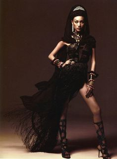 Tribal goes Asian luxury market as Huang Xiaomeng channels her own inner tribal goddess in consummate, sensual luxury looks for Numero China's August issue. Yin Chao photographs the style capture, fashioned by Joseph Carle. Fashion Mag, Ethnic Fashion, Editorial Fashion, Womens Fashion, Dream Photography, Fashion Photography, Islamic Clothing, Style Me, Style Inspiration